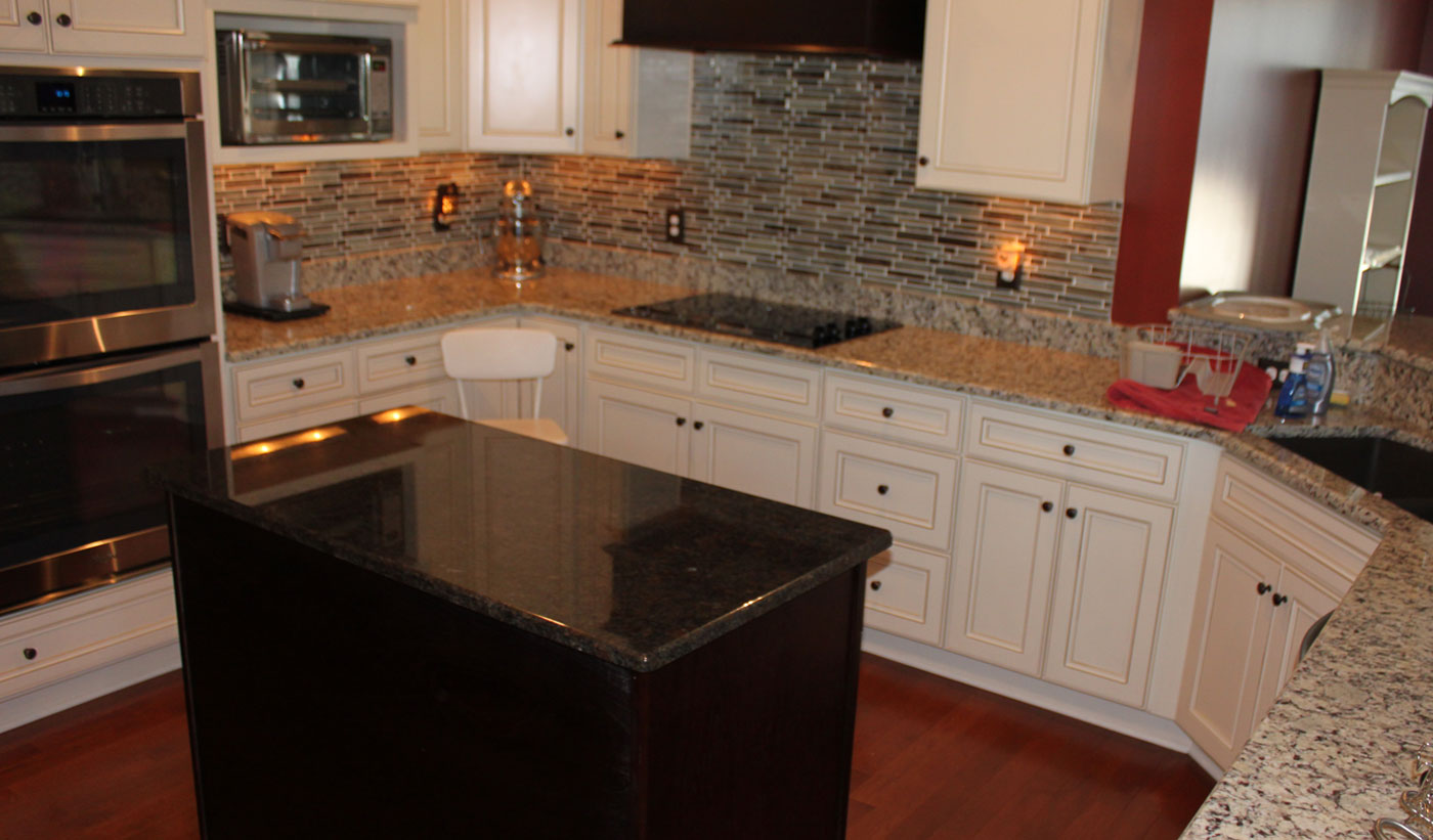 Custom kitchen granite counters, C shape C and J Wood Design